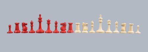 ϒ A late Victorian ivory Staunton pattern chess set