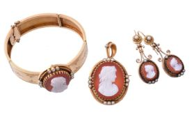 A late 19th century hardstone cameo suite