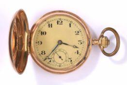 Savonette mit Uhrkette Um 1900585- Goldgehäuse und Kette. Ø 5,2 cm, zus. 120 g.