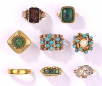 Acht Ringe585- Gold, diverser Besatz, zus. 44 g. Ehering 900- Gold, 5 g.