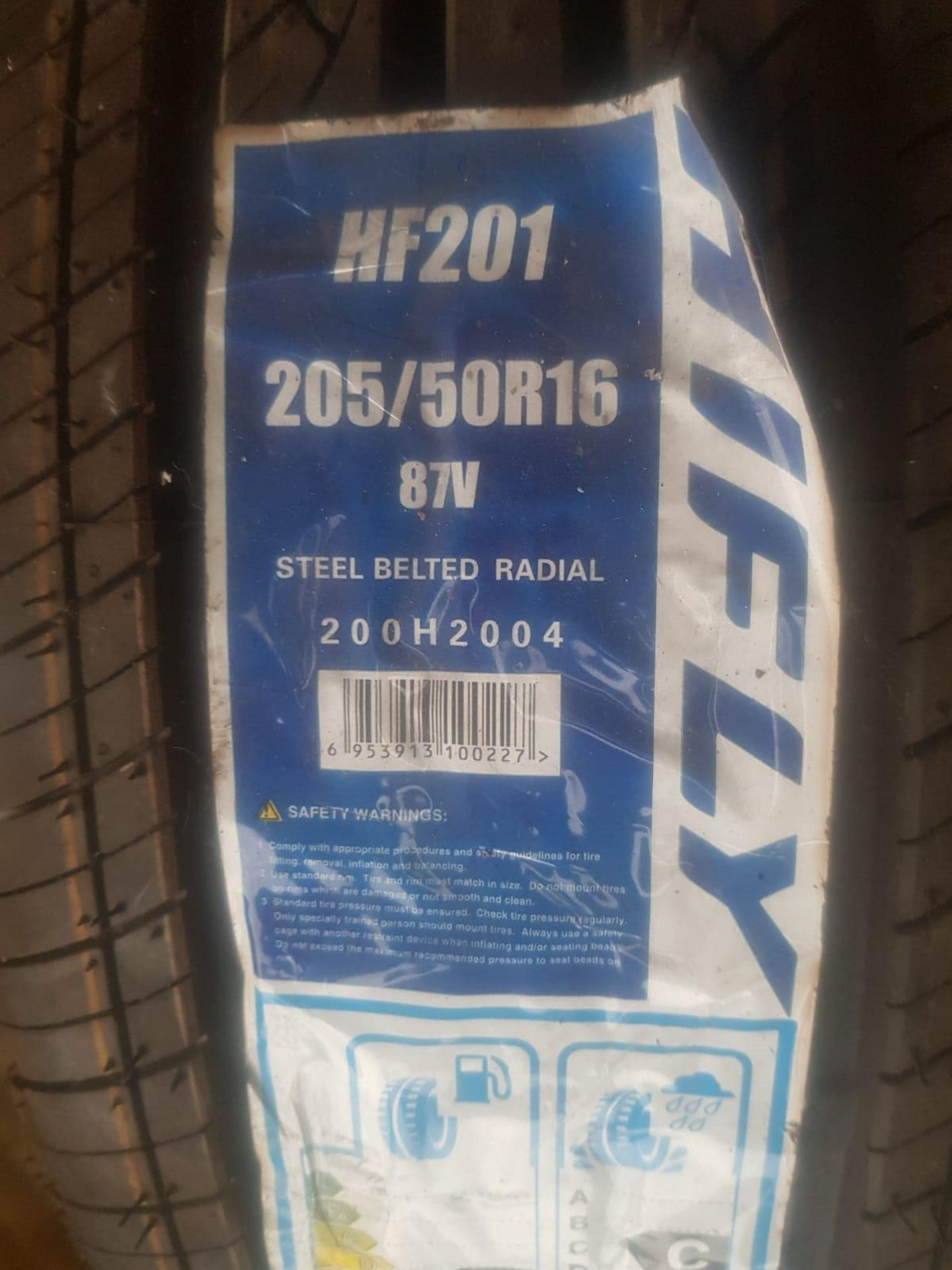 Lot 34 - TYRE HIFLY NEW 205/50/15