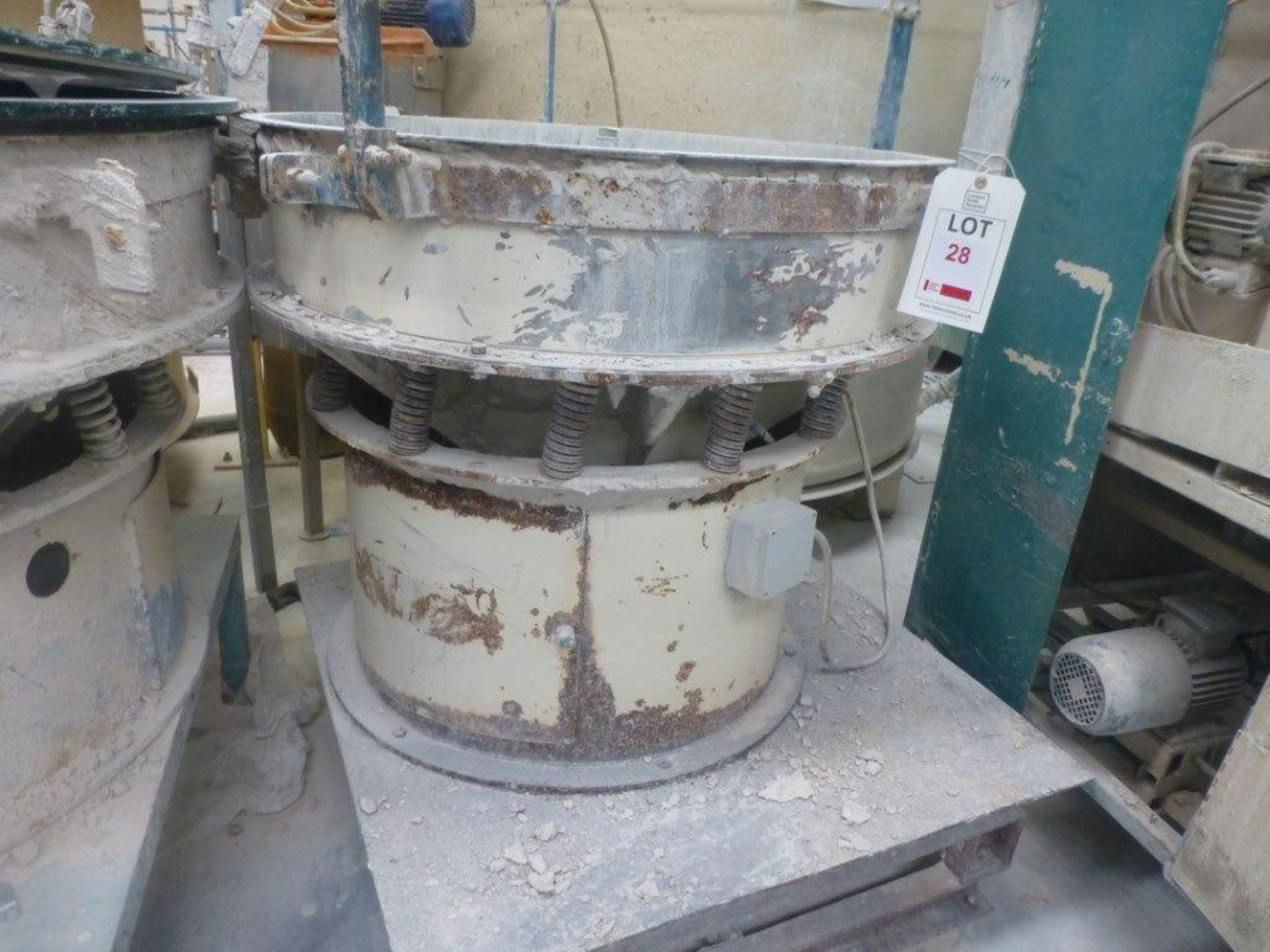 Lot 28 - 900mm diameter vibratory sieve