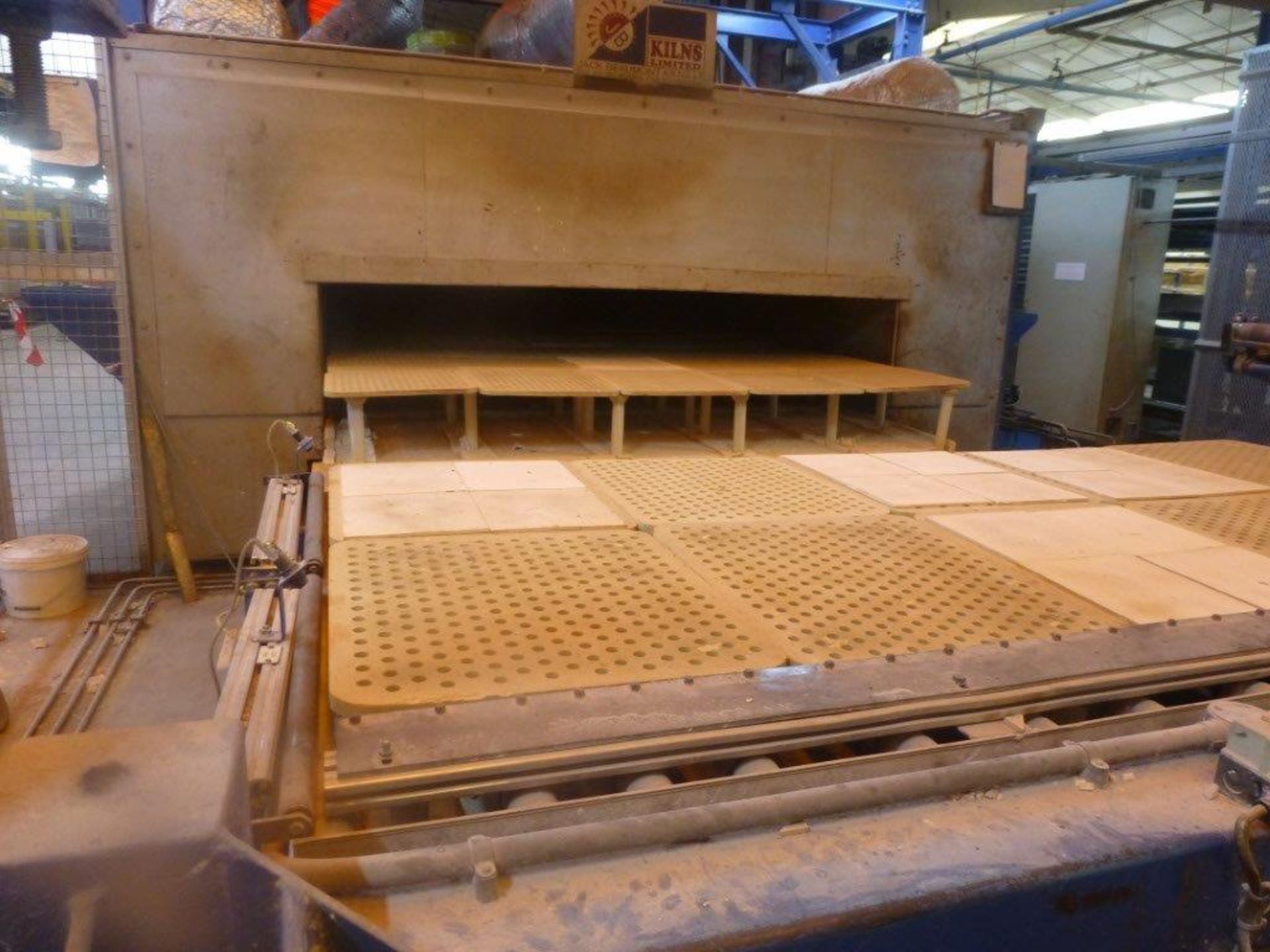 Lot 1 - Jack Beaumont gas fired 40 burner glost fast fire kiln with BEAD CT VIEW Interconnect control