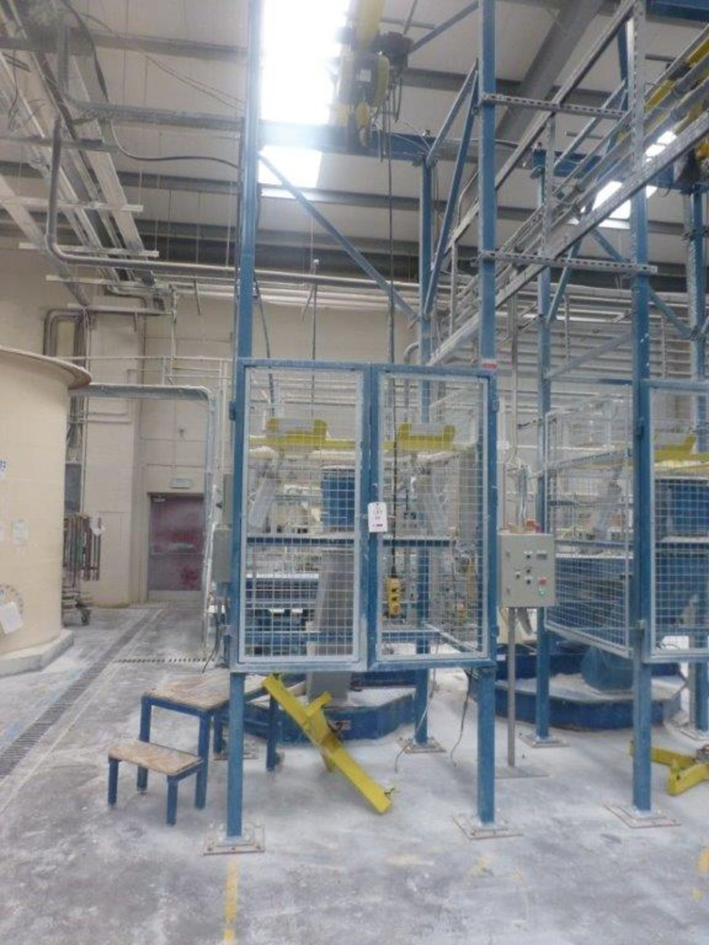 Lot 19 - Steel fabricated 1250kg bulk bag empty station with GIS 1250kg pendant controlled electric chain