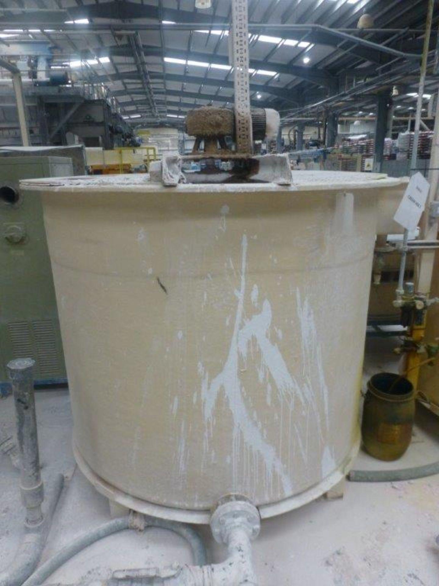 Lot 36 - 1700 x 1500 GRP mixing tank with motorised agitator, Plant No SHA17 Cream Ark 1