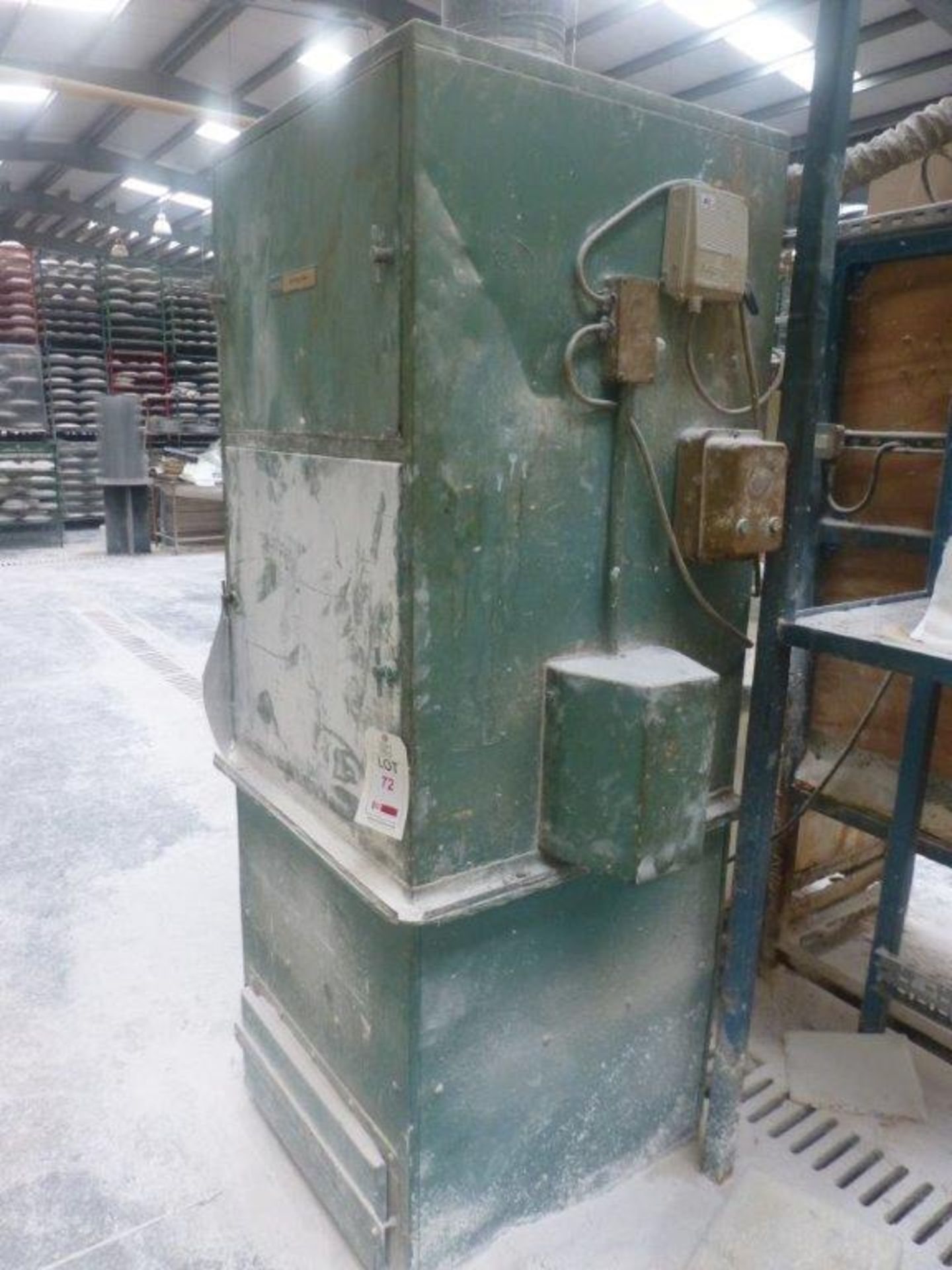 Lot 72 - DCE Unimaster single chamber dust collection unit with ducting to roof, Plant No MMPE1 Plaster
