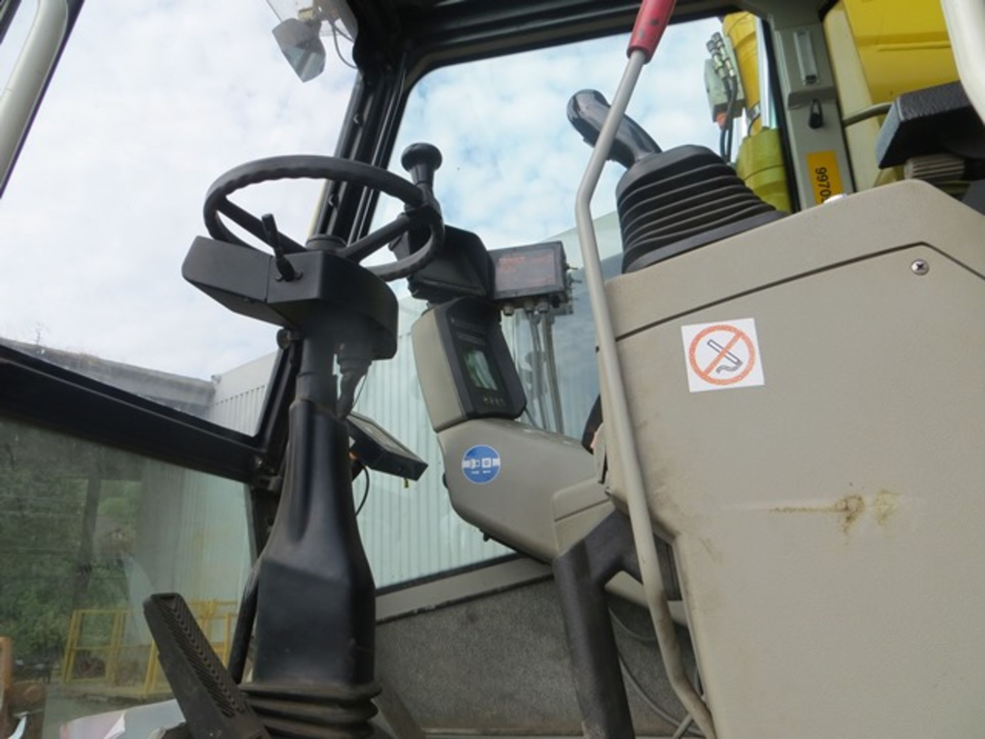 Lot 7 - Liebherr A900C ZW road / rail excavator s/n WLH2138A2K068365 (2014) running hours approx 3,600.