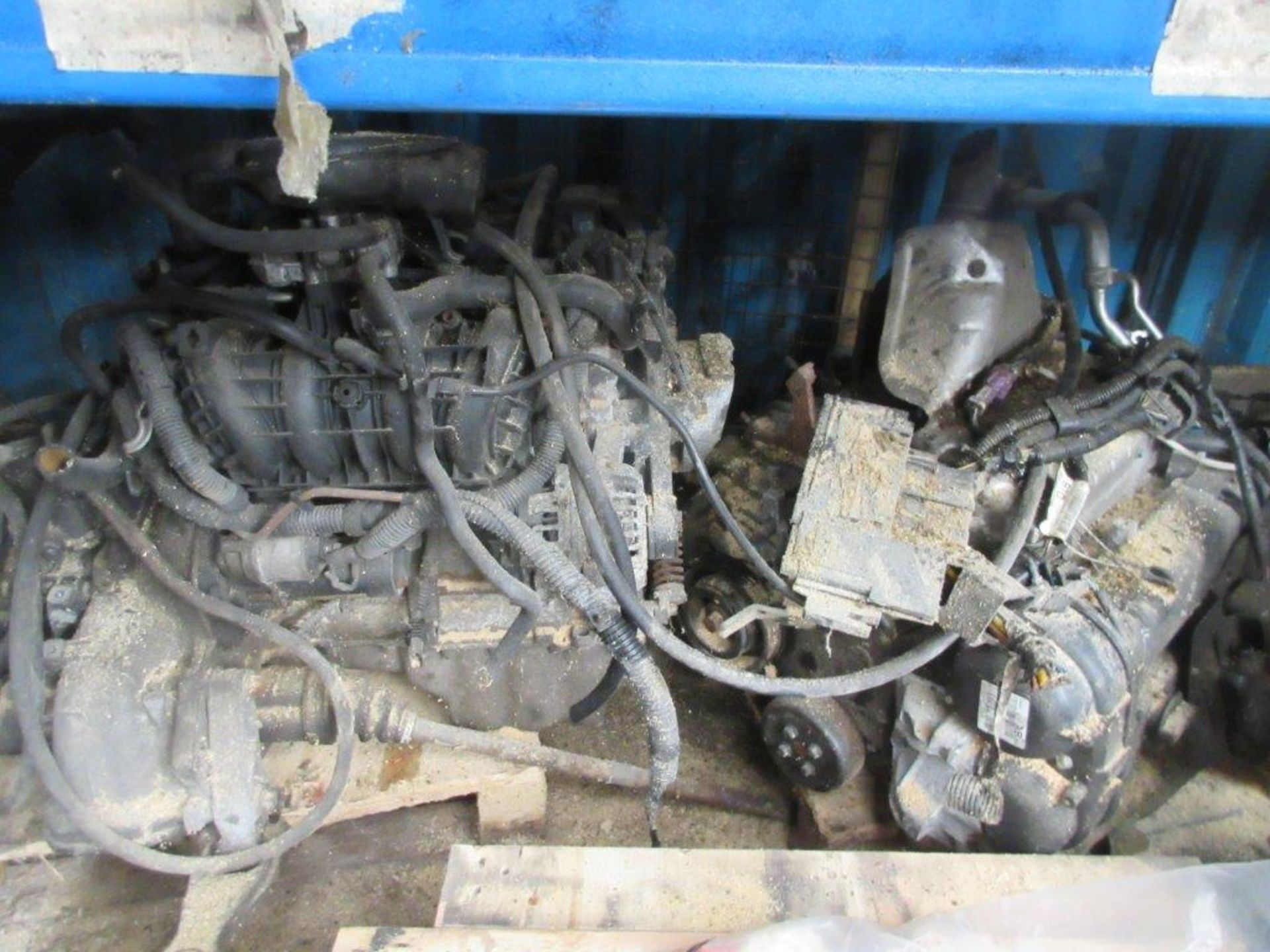 Lot 44 - 15 assorted engines including unknown, 1.25 unknown, Astra Z16 XEP, Toyota VVTi, unknown, unknown,