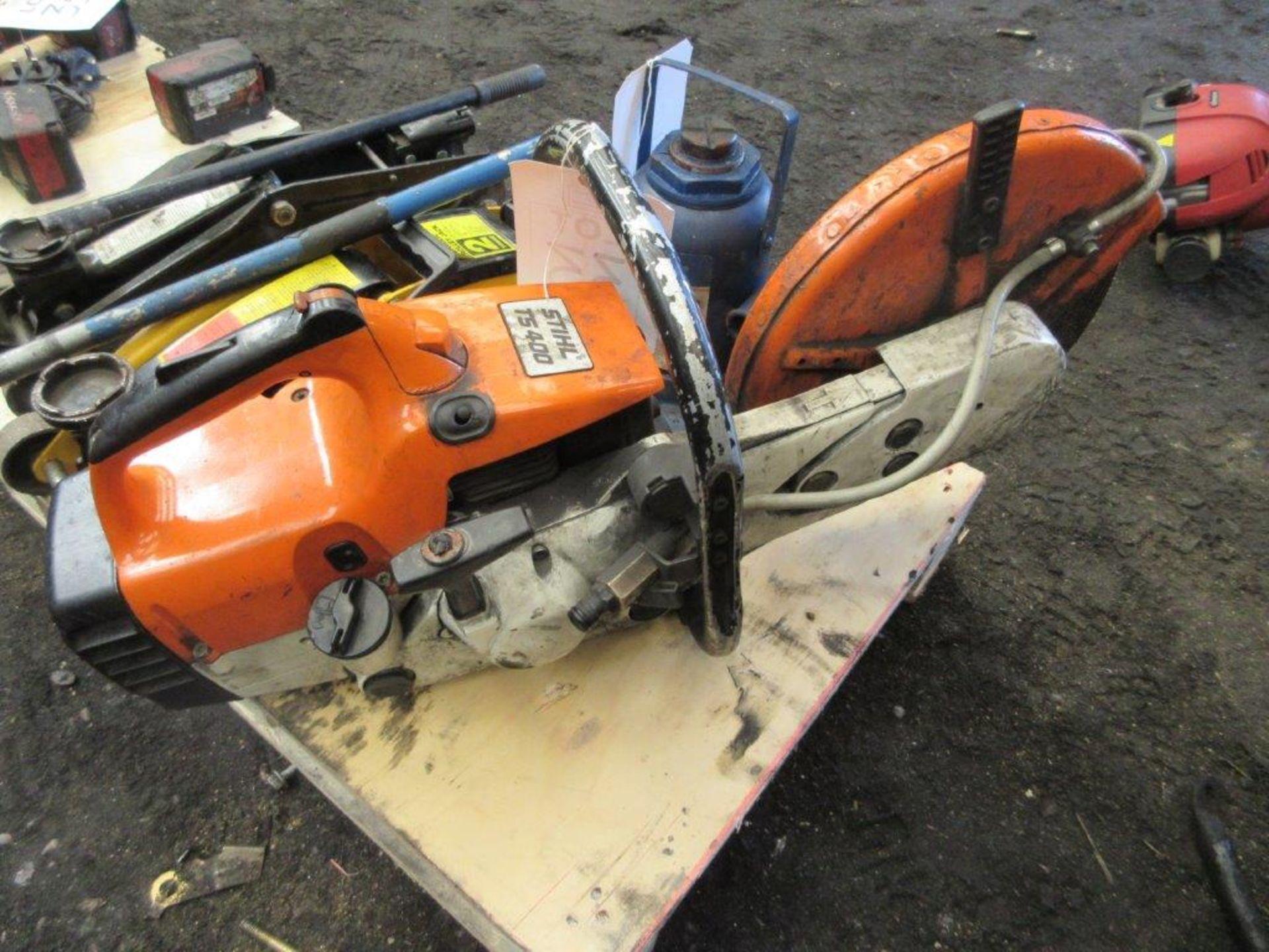 Lot 33 - Stihl TS400 petrol powered disc cutter