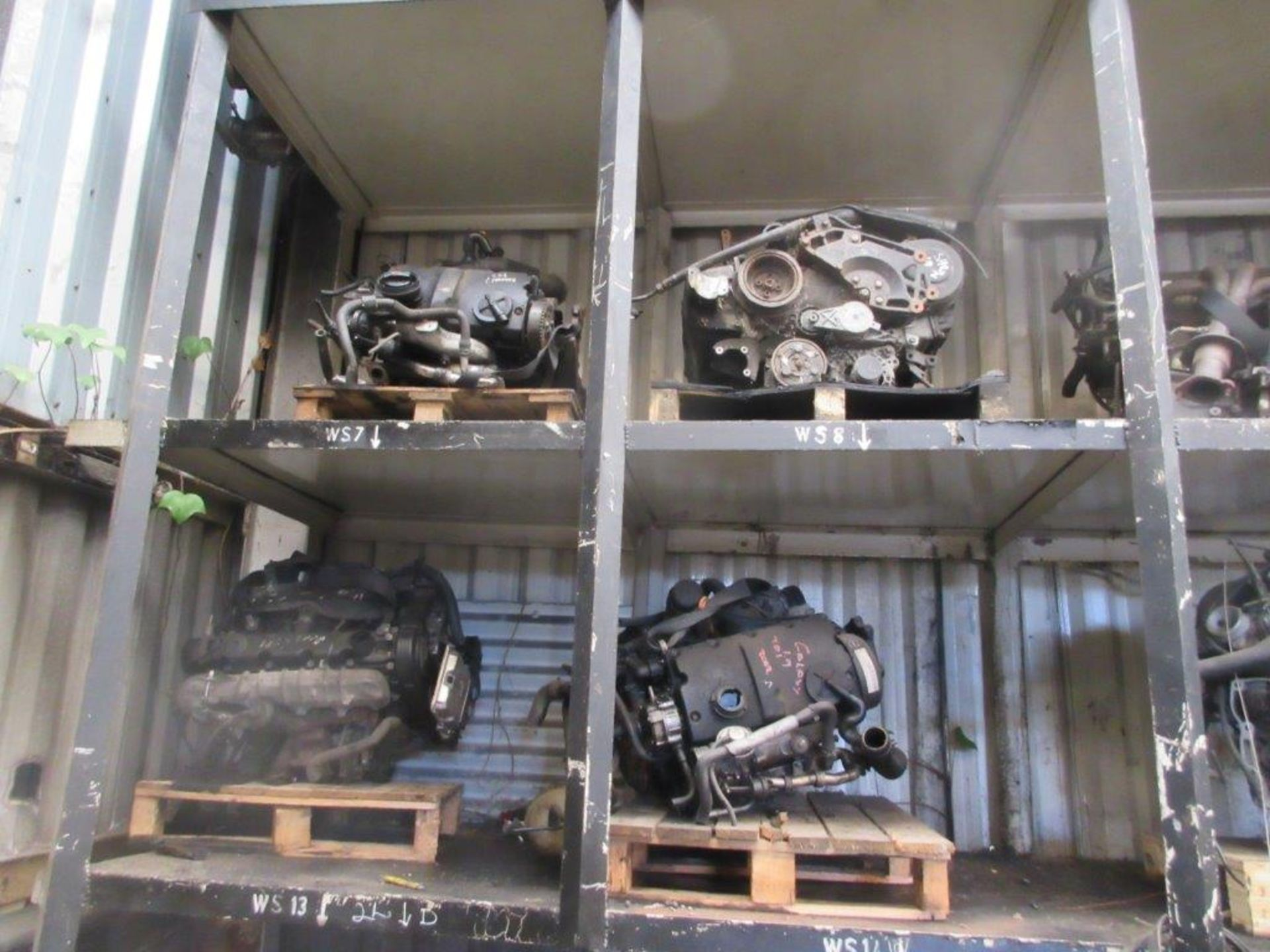 Lot 45 - 20 assorted engines including unknown, Galaxy 1.9 TDi 2002, unknown, unknown, unknown, Fiesta, Mk