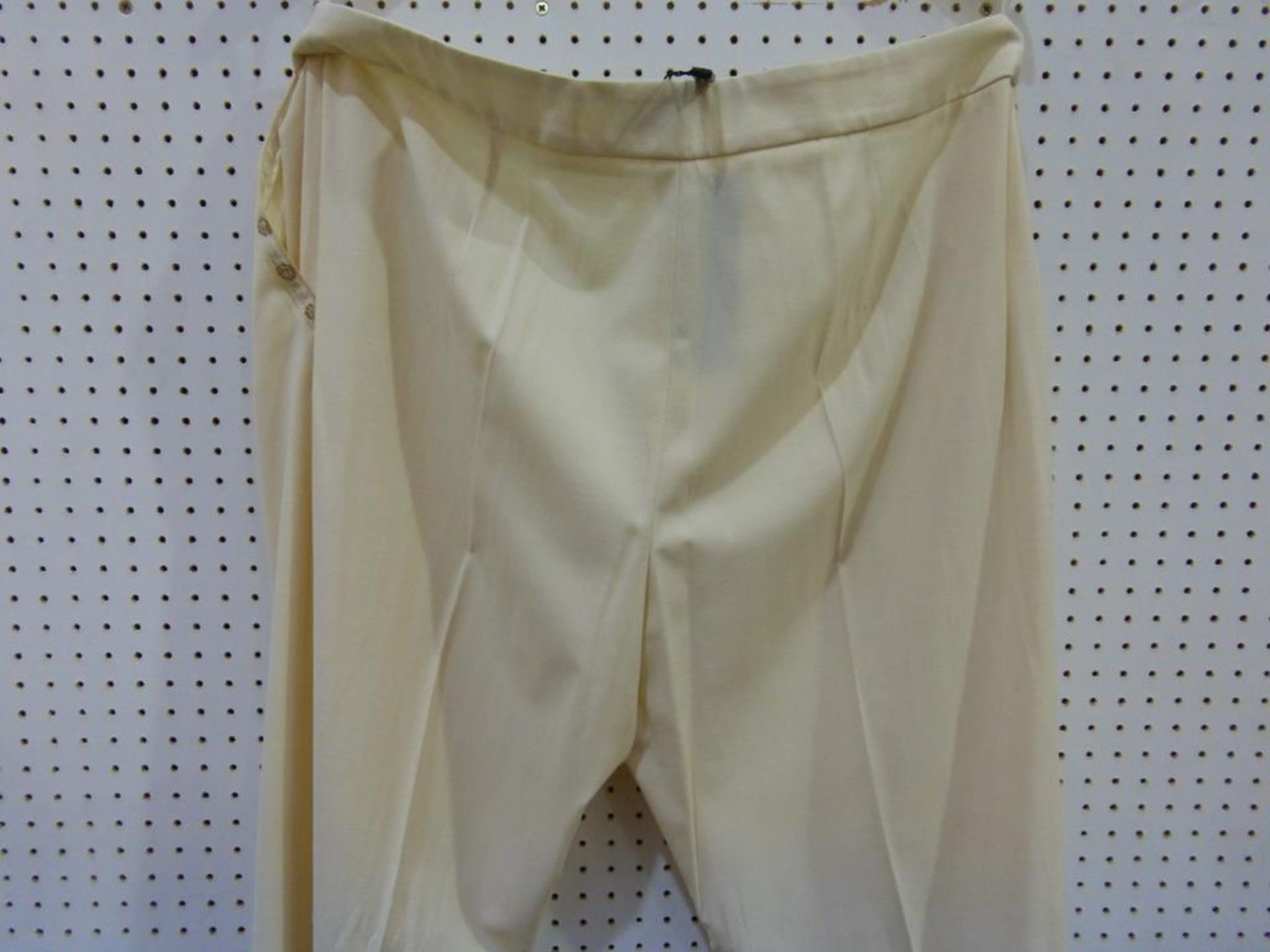 Lot 8054 - * A total of seventeen Ladies Garments to include examples by Gil Bret, Verse, Separa, Apanage, Kate