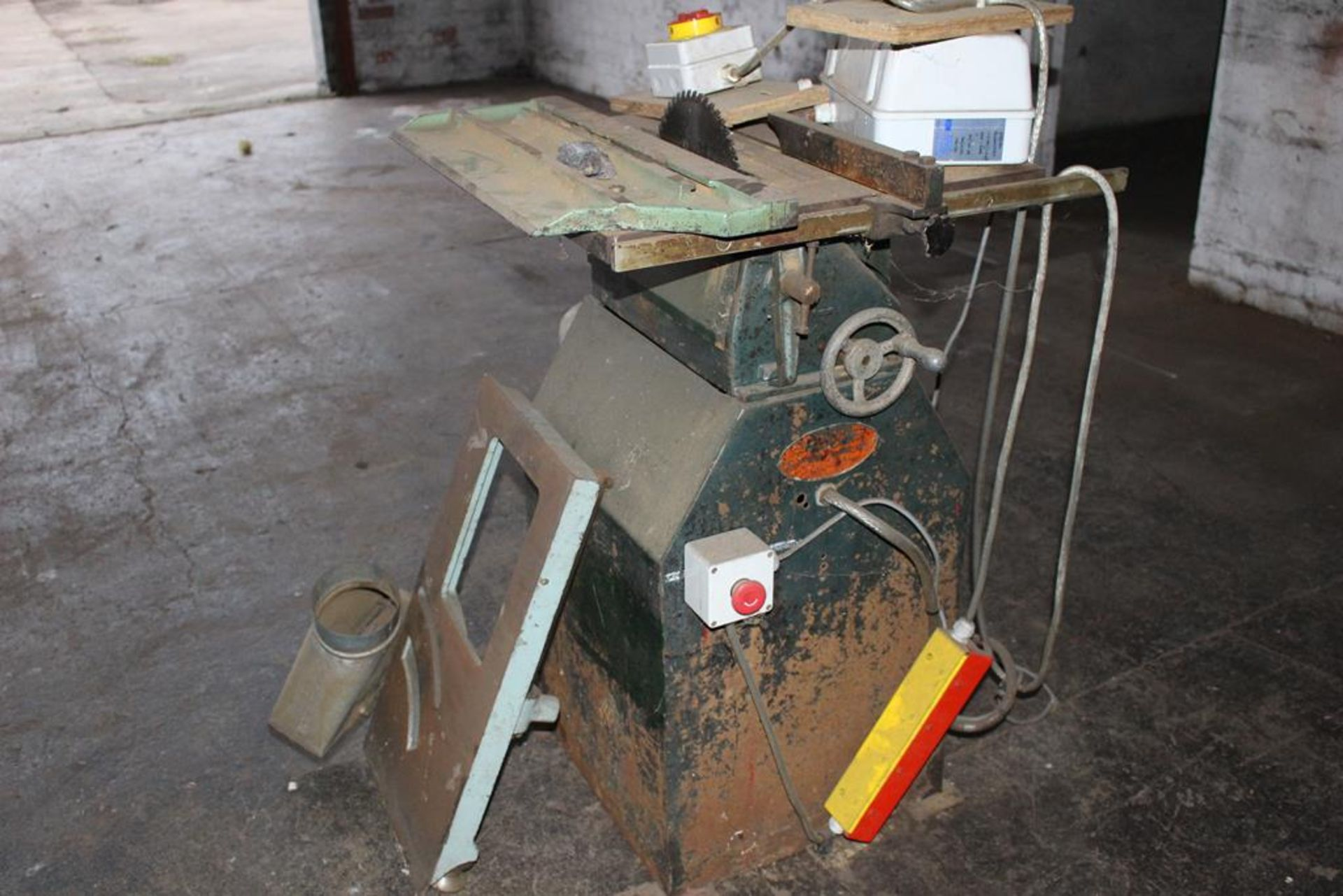 Lot 64 - * Tyzack Small Saw Bench A Tyzack Small Circular Saw Bench. Please note this lot is located at