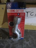 Lot 28 - 60 TC105 - Adjustable Hand Pipe Cutter 3mm to 35mm