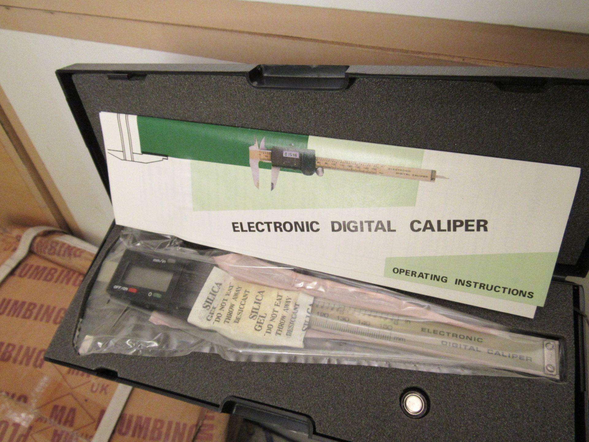Lot 55 - 38 10039 Electronic Digital Indicator