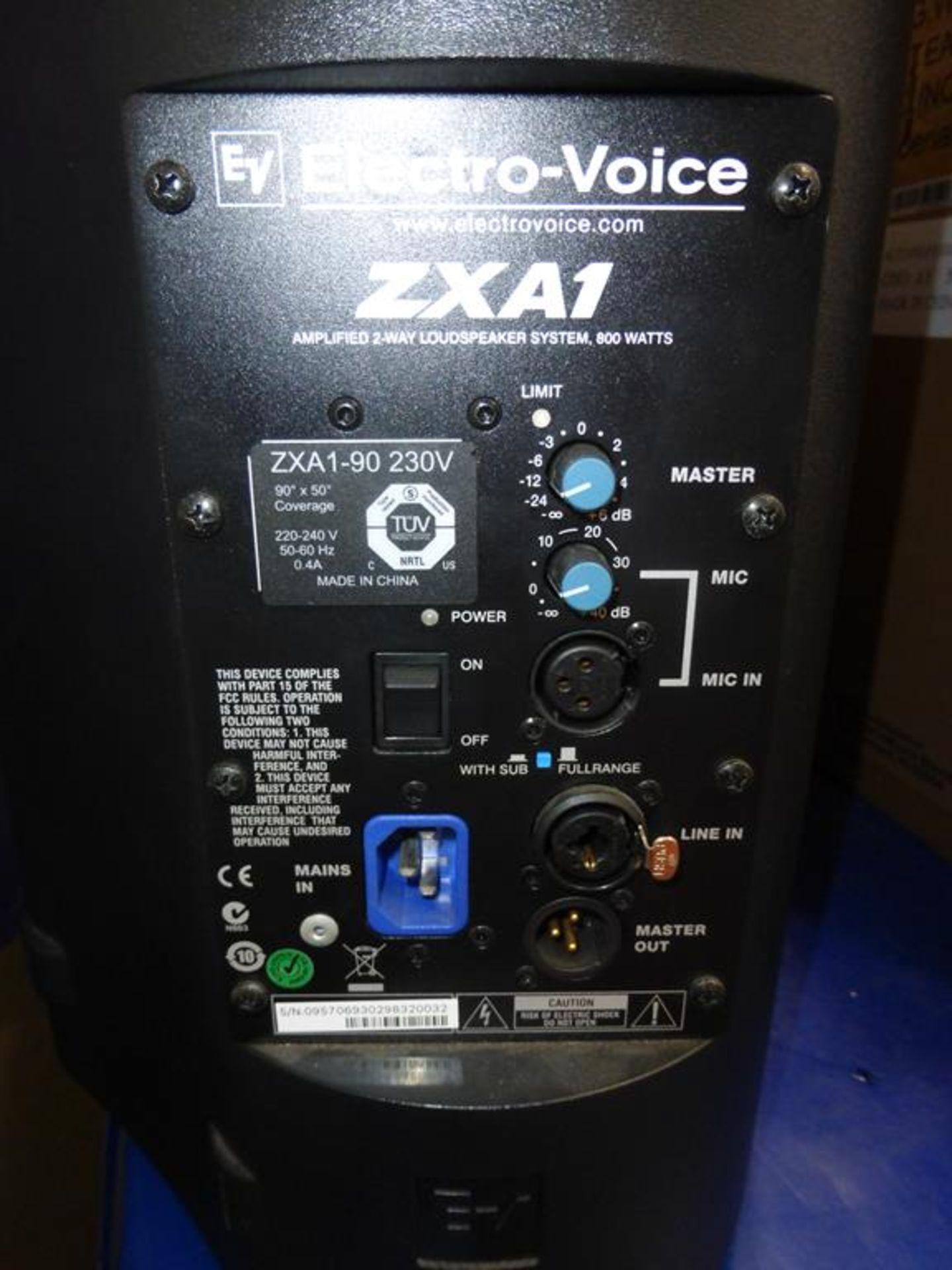 Lot 24 - * Electro-Voice ZXA1 800W 8'' Amplified 2-way Loud Speaker, RRP £381