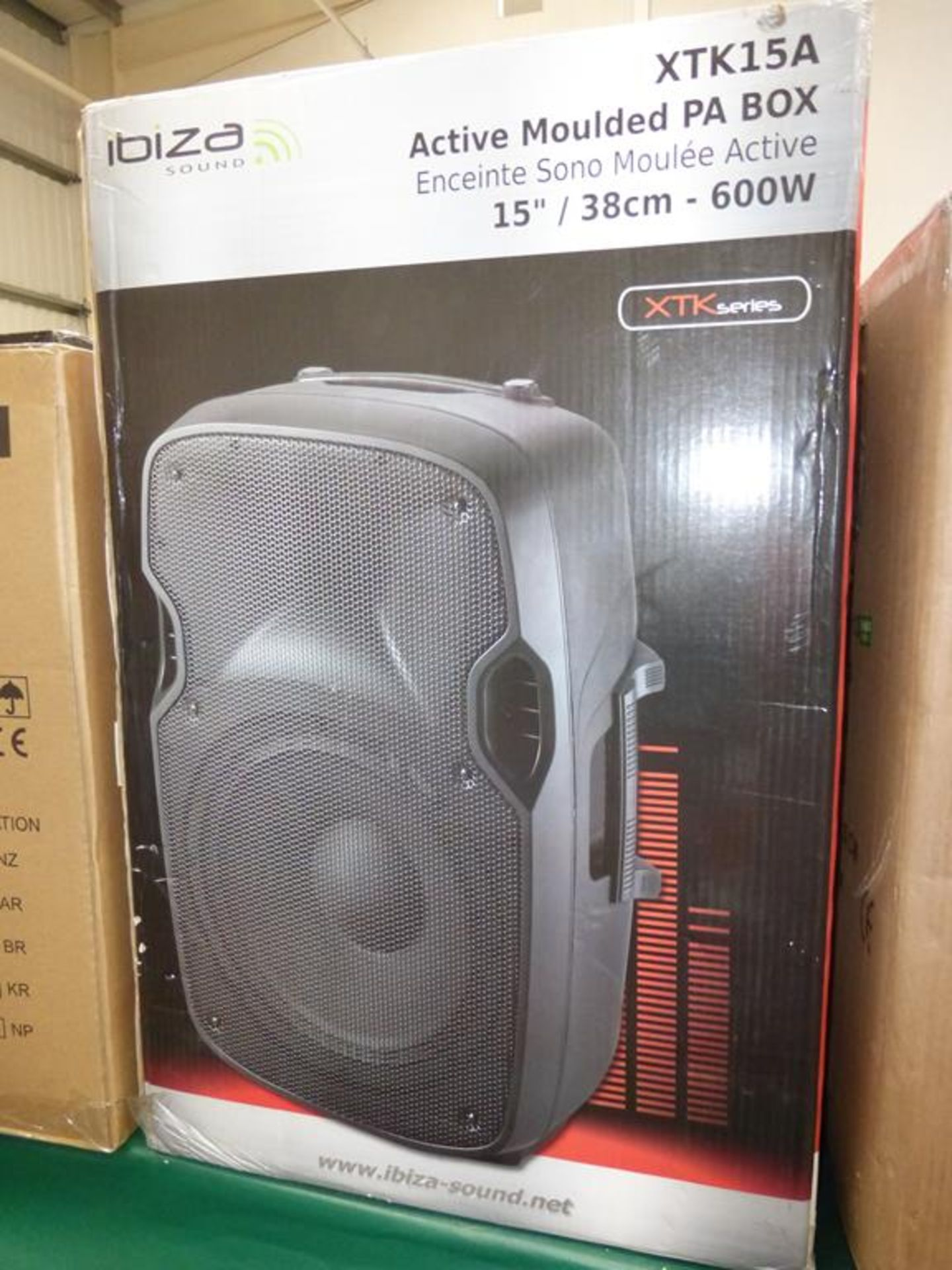 Lot 16 - * Ibiza Sound XTK15A 600W 15'' Active Moulded PA Box Speaker, RRP £200