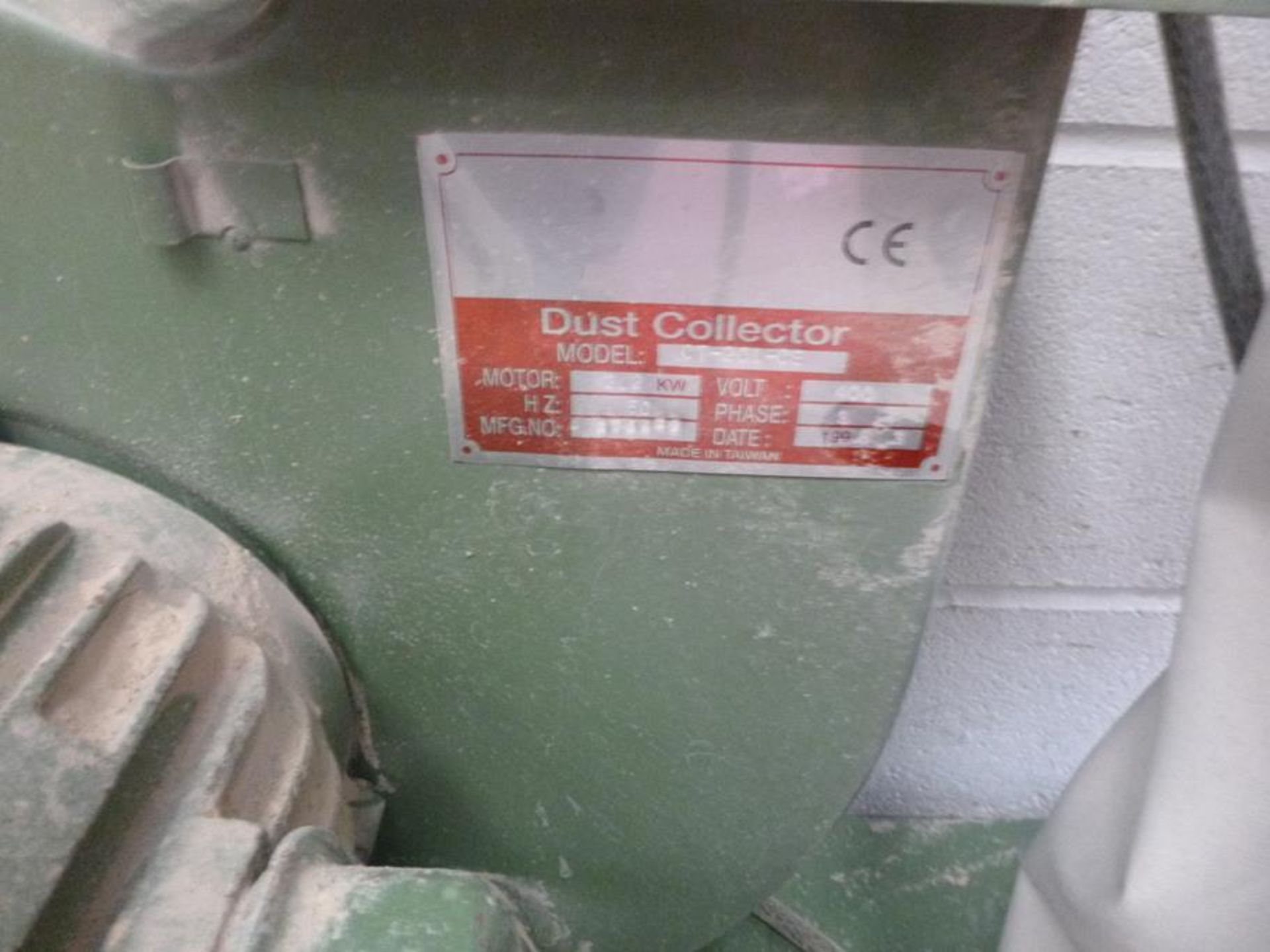 Lot 6 - Dust Collector CT-201-OE