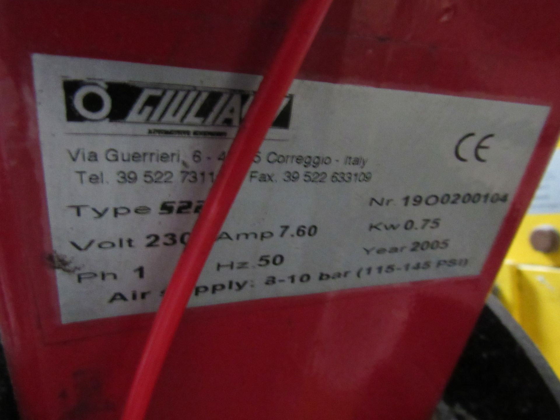 Lot 45 - Guilliano S225 Tyre Changer, Serial Number 1900200104, 2005 (Located at Unit 11)