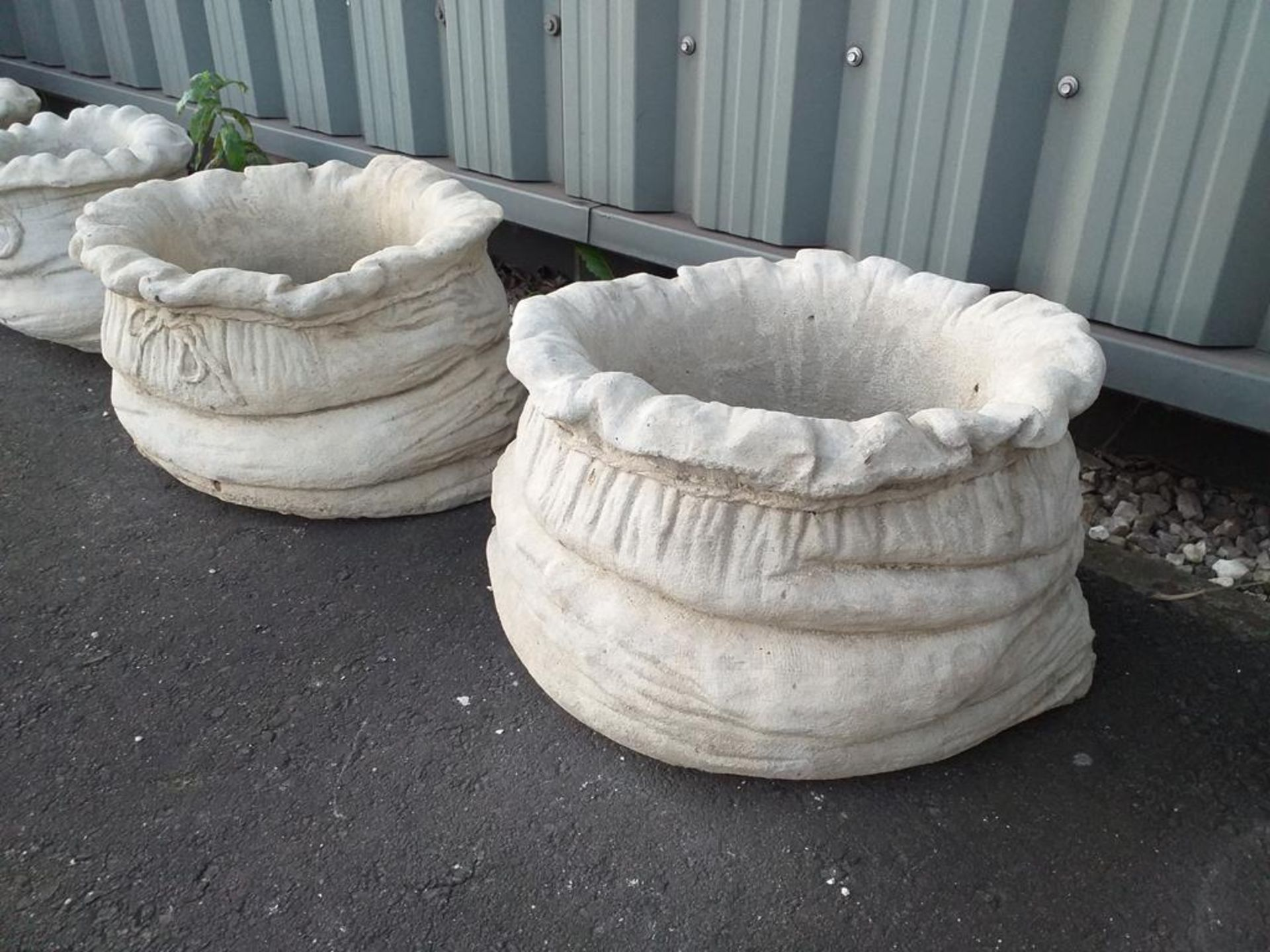 Lot 914 - 2 x Sack Large Planters