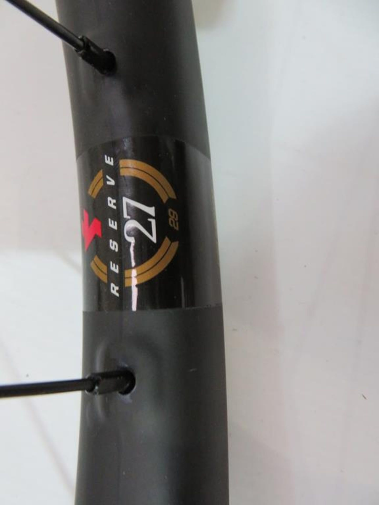 Lot 10 - Santa Cruz Reserve 27 Carbon Wheelset with DT Swiss 350 Hubs