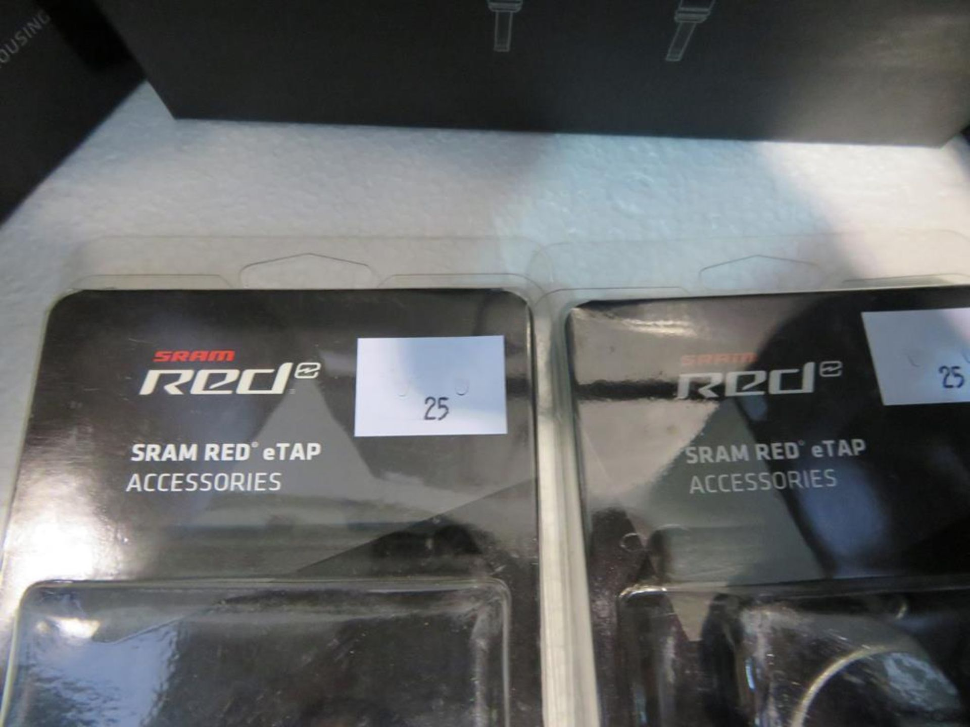Lot 25 - Selection of Sram Red Components