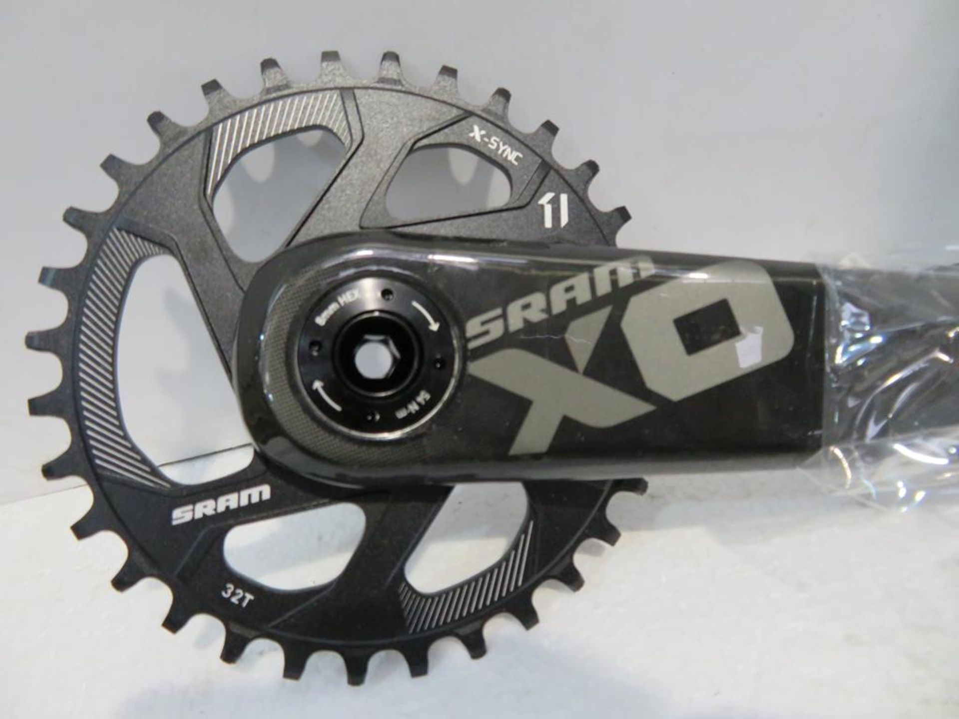 Lot 37 - Sram X01 BB30 Direct Mount 32D Crankset
