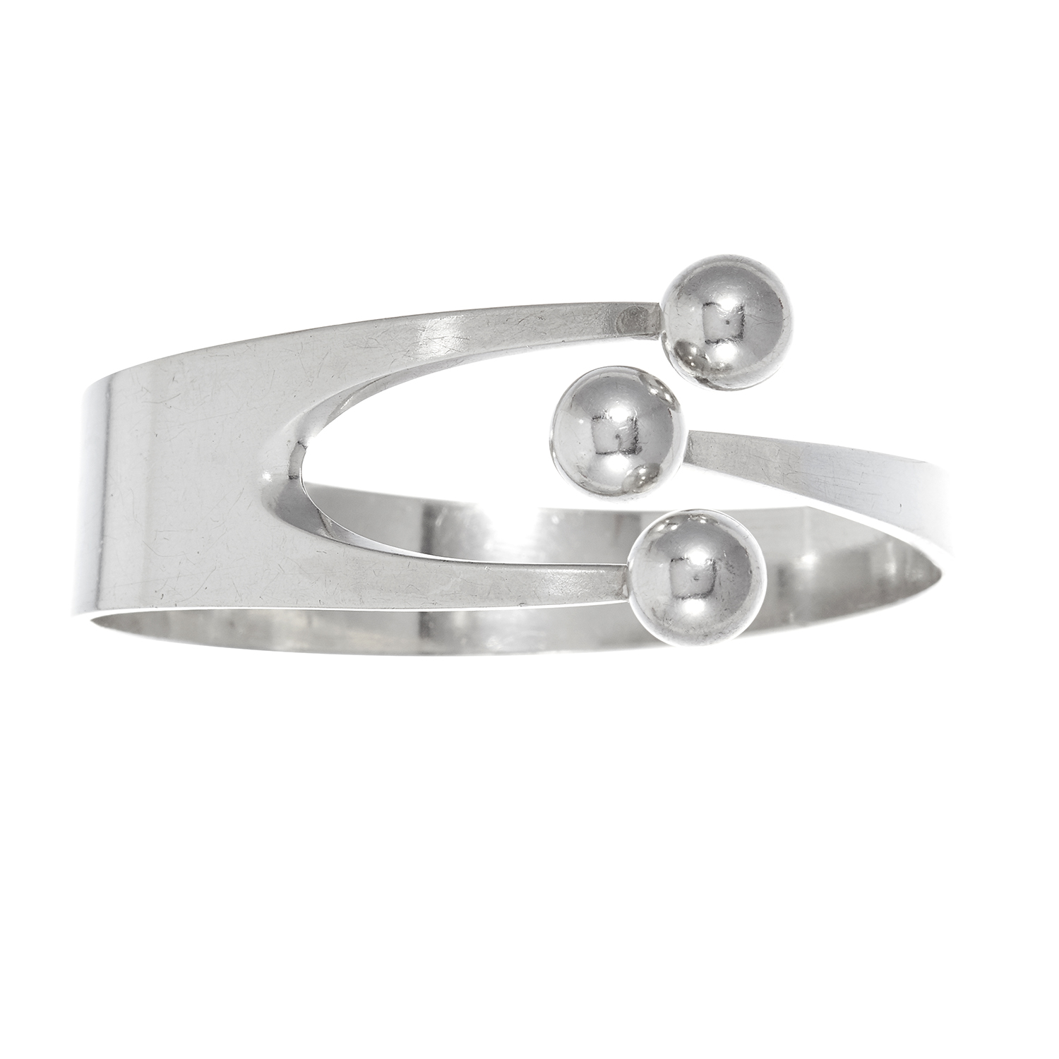 A VINTAGE SCANDINAVIAN JESTER BANGLE AND RING SUITE, ANA GRETA EKER in sterling silver, comprising a