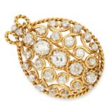 VINTAGE DIAMOND BROOCH / PENDANT set with old cut diamonds in open frame design, 4.0cm, 15.9g.