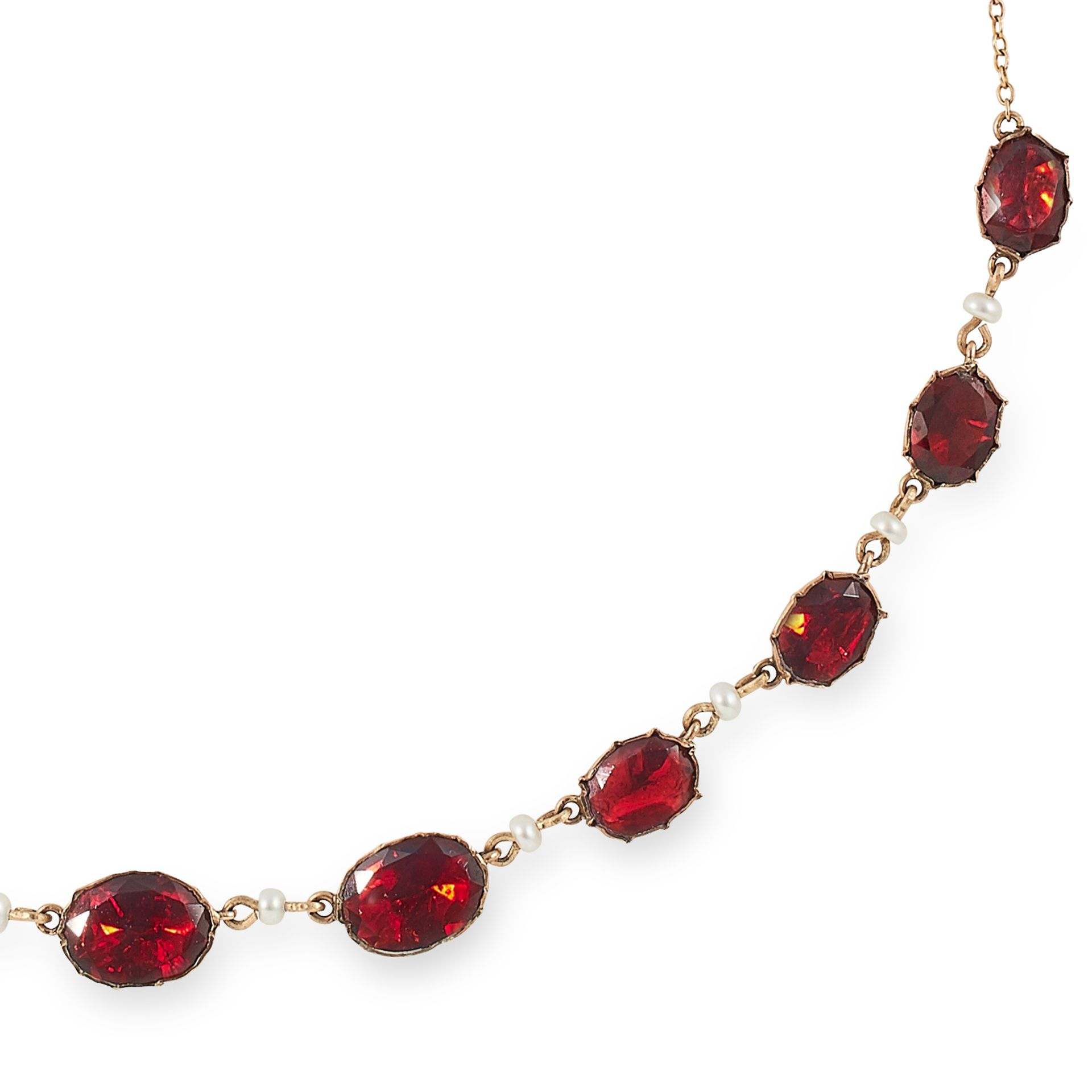 ANTIQUE GARNET AND SEED PEARL NECKLACE set with oval cut garnets and seed pearls, 43cm, 7g. - Bild 2 aus 2