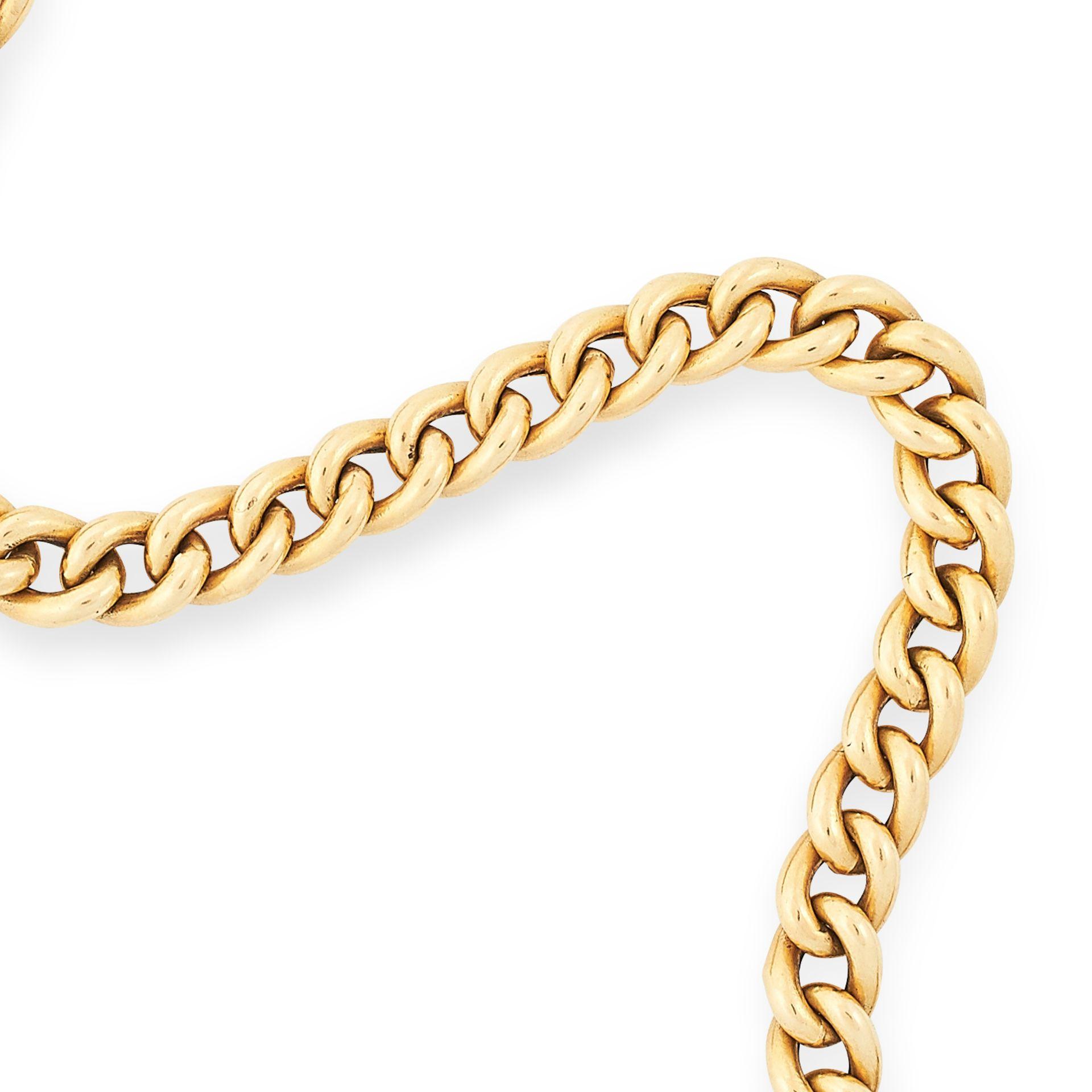 FANCY LINK BRACELET comprising of a row of textured curb links, 20cm, 16.8g. - Bild 2 aus 2