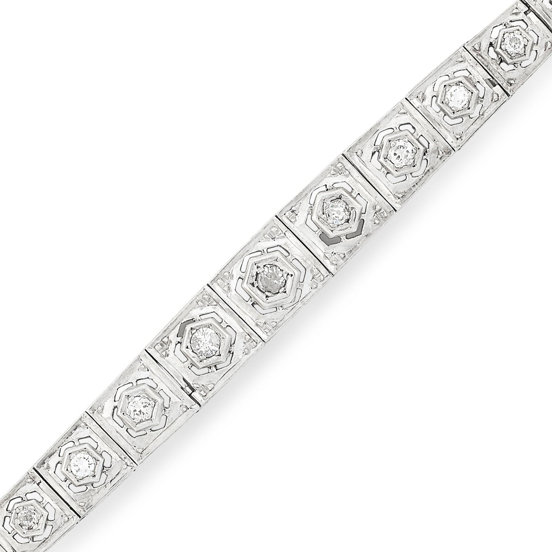 DIAMOND BRACELET in Art Deco style, set with round cut diamonds totalling approximately 1.50 carats, - Bild 2 aus 2