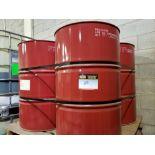 4 Isocyanate barrels / 4 Barils d'isocyanate