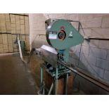 Angled iron bending machine / Plieuse de fer à angle