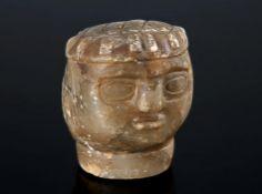 Antiker KopfAlabaster, graue Patina. H 7,8 cm.€ 150