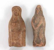 Zwei VotivfigurenRömisch, ca. 2.-3. Jh. n. Chr.. Terrakotta. H 9 cm, 9,2 cm.€ 120