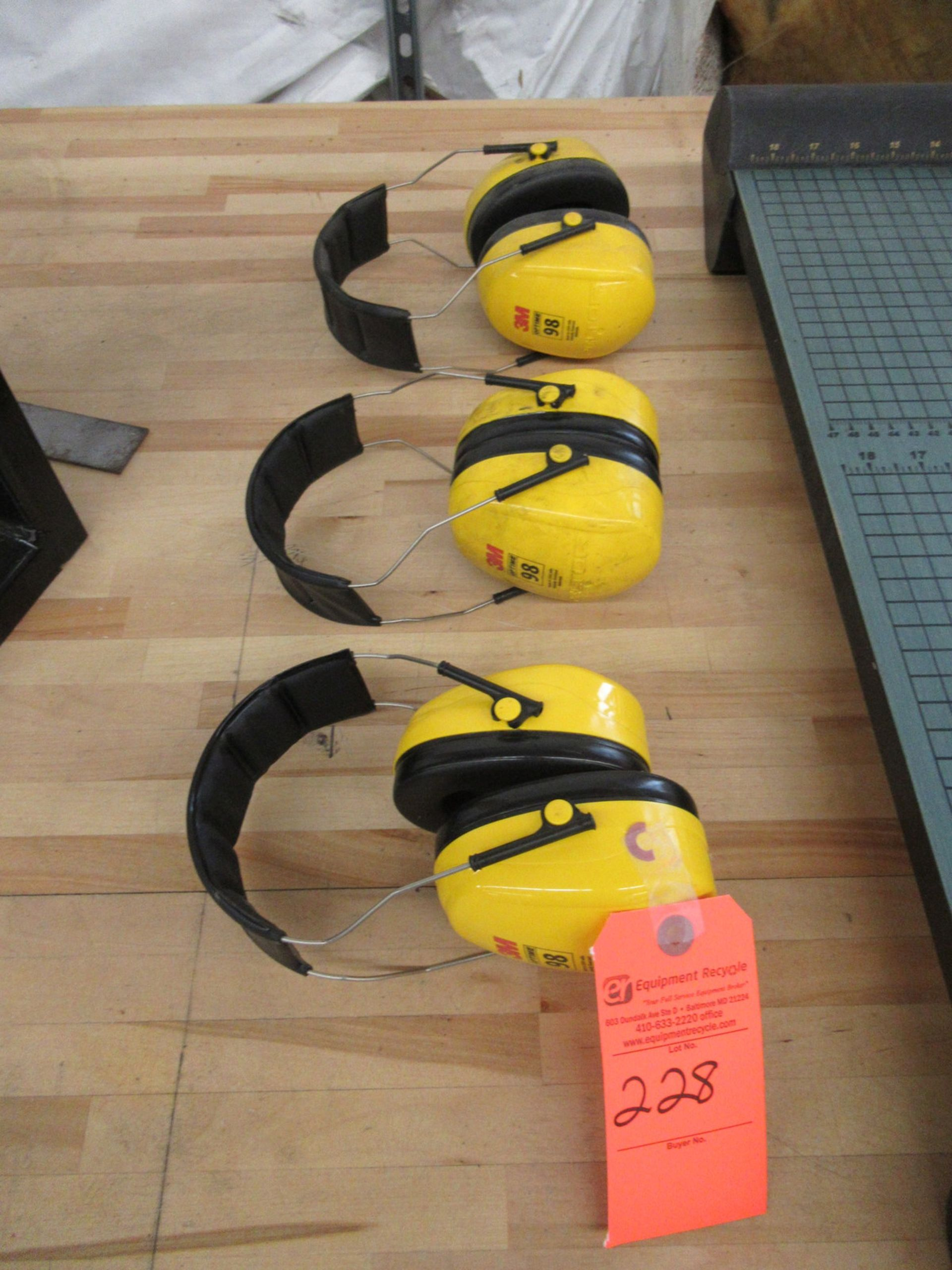 Lot 228 - Lot of 3 3M Hearing/Ear Protection Earmuffs
