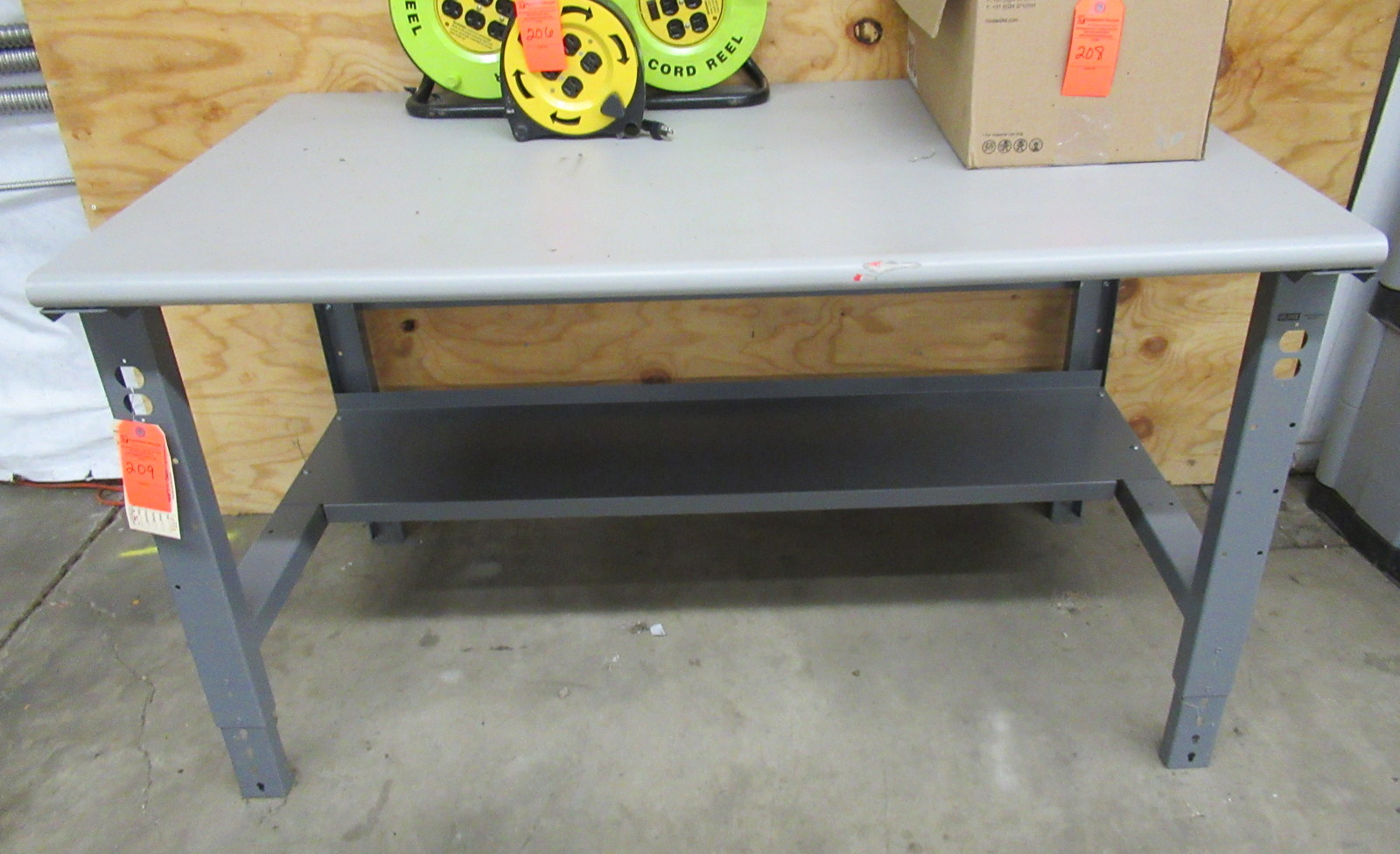 """Lot 209 - Uline H-1136-LAM Packing Shipping Table 60"""" x 36"""" x 36"""" Laminate"""