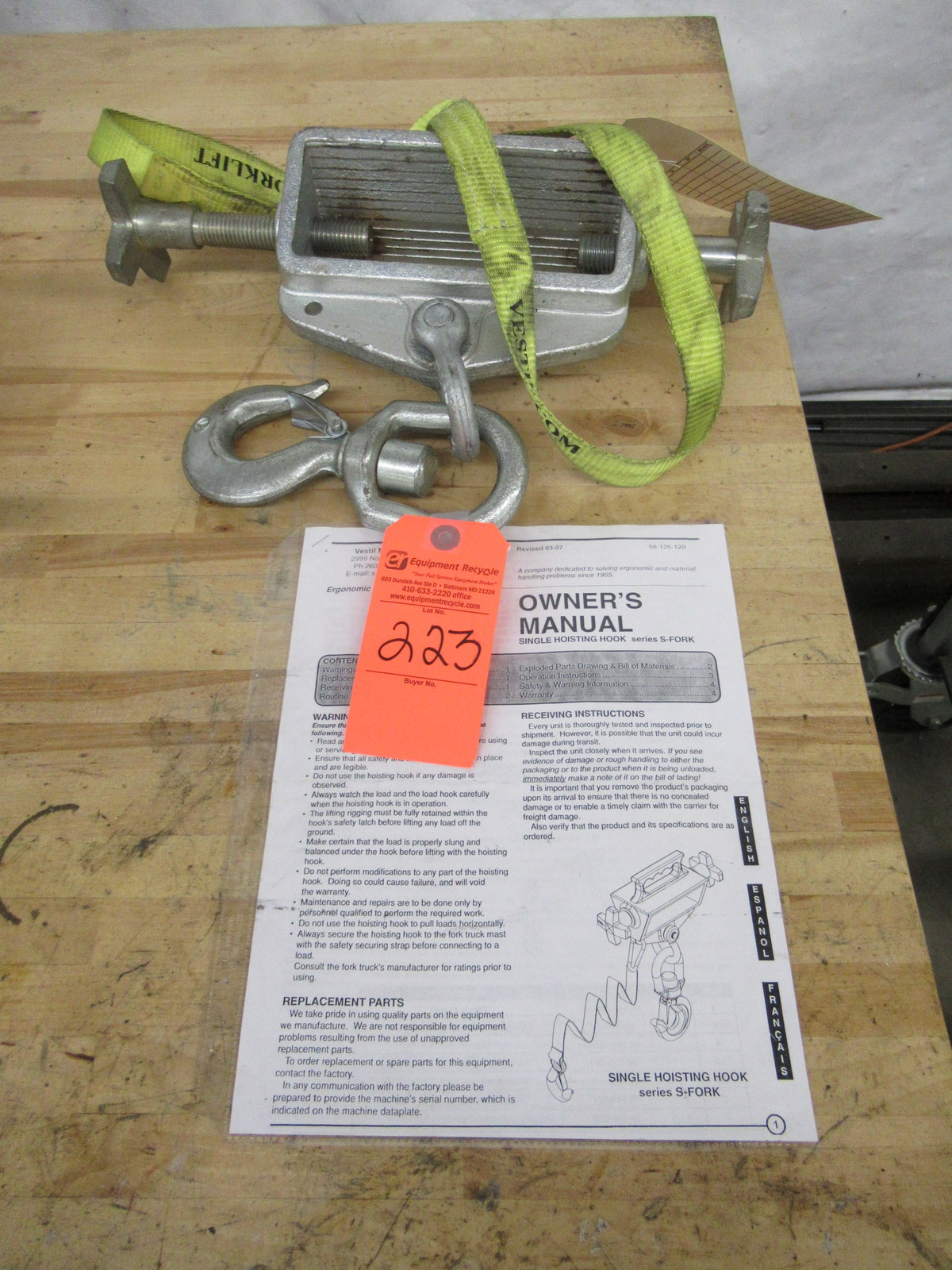 Lot 223 - Vestil S-FORK Swivel Hook