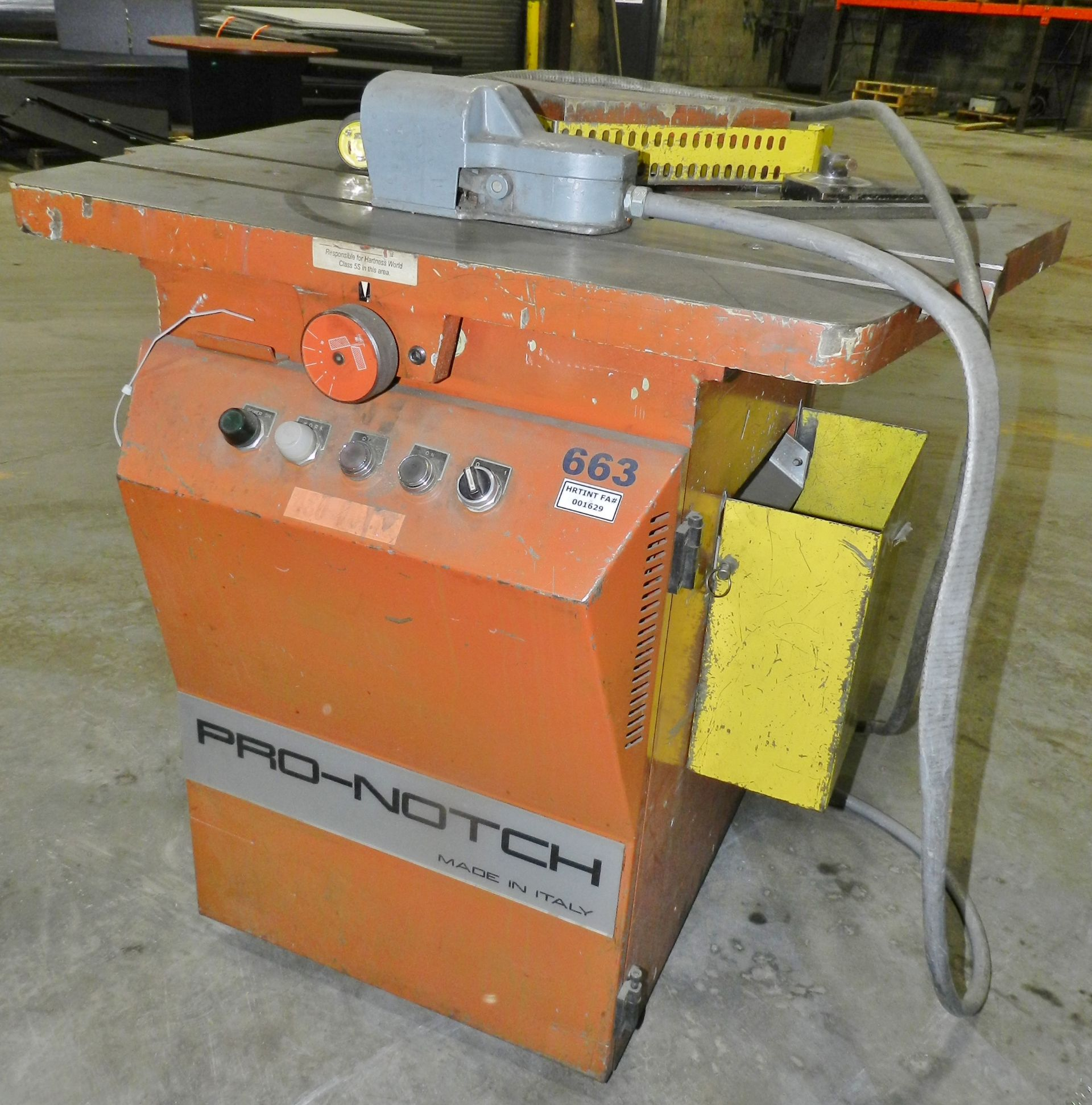 Lot 53 - Pro-Notch 10 x 10 Metal Notcher