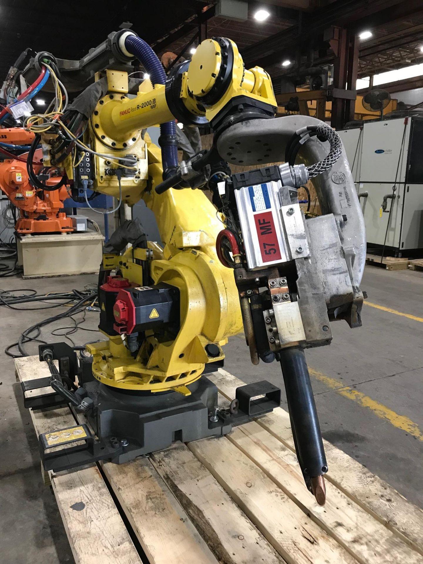 Lot 2 - 2009 Fanuc R-200iB Robot w/ R-30iA Controls -- Servo Driven Weld Gun End Effector