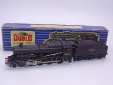 OO GAUGE - A HORNBY DUBLO 3 rail Class 8F Steam lo