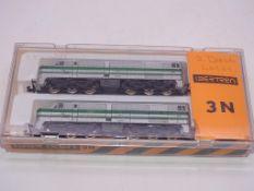 N GAUGE - A twin pair of Spanish Outline diesel lo