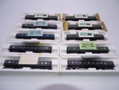 N GAUGE - A group of Spanish Outline passenger coa