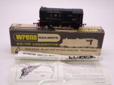 OO GAUGE - A Wrenn W2233 0-6-0 diesel locomotive in LMS black livery. VG in a VG box