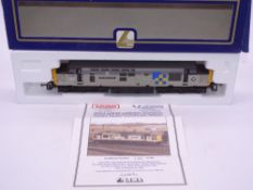 OO GAUGE - A Lima Class 37 diesel locomotive, 37684 Peak National Park, in Construction sector