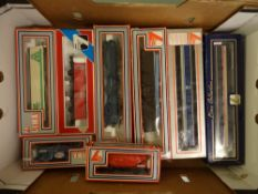 OO GAUGE - A tray of wagons and coaches by Lima (8). VG-E in VG boxes