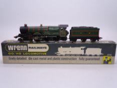 """OO GAUGE - A Wrenn W2222 Castle class steam locomotive """"Devizes Castle"""" in GWR green. VG in G box"""