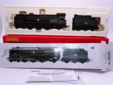 OO GAUGE - A Hornby R2528 Merchant Navy class steam loco French Line in BR green livery. VG in VG