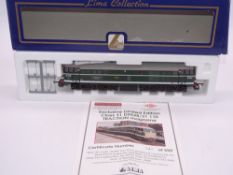 OO GAUGE - A Lima Class 31 diesel locomotive, D5528/31110 Traction Magazine, in BR green livery, #