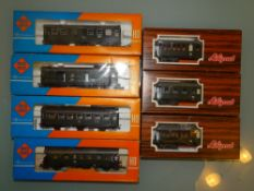 HO GAUGE - A group of 4-wheel coaches by Roco toge